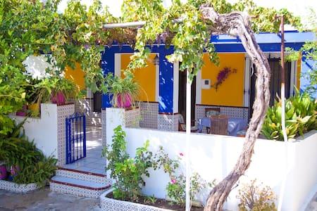 Finca la Moraleda ( Los Rosales House) - Pizarra - Haus