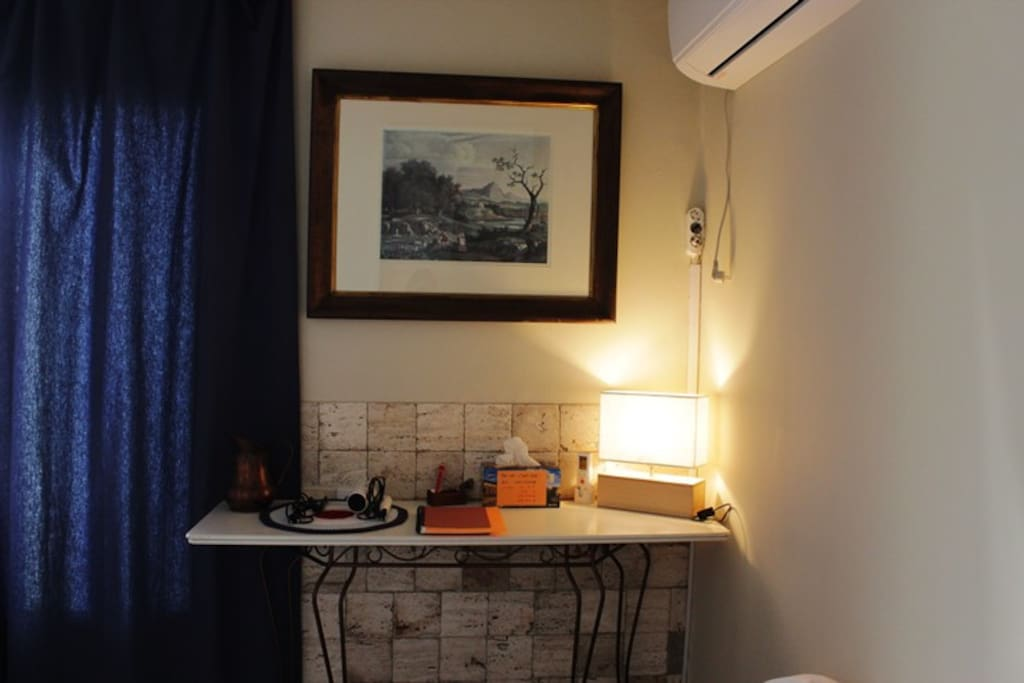 couple room table lamp hair dryer