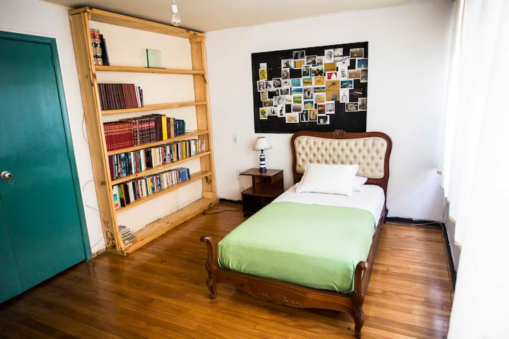 *NEW* BEAUTIFUL ROOM IN BOGOTÁ  (Number 1) - Bogotá - Guesthouse