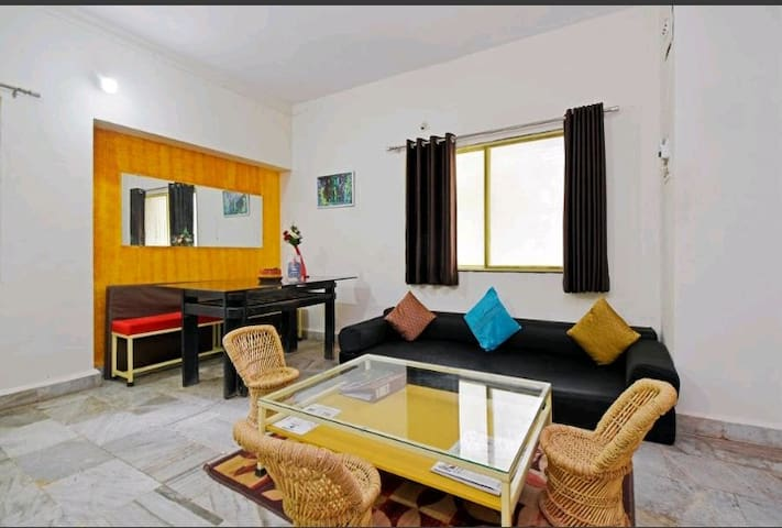 Easystayy Peshwa  Deluxe Ac room