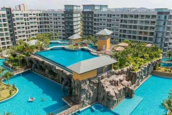 芭提雅最大水系5700平米泳池洁白沙滩_马尔代夫度假村。(近中天海滩,中天夜市,素万那普机场大巴站)