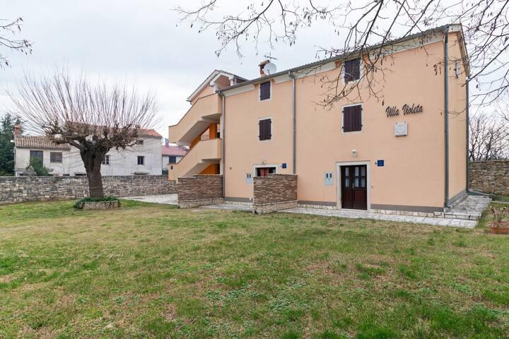 Casa de vacaciones seductora en Rovinj con terraza privada