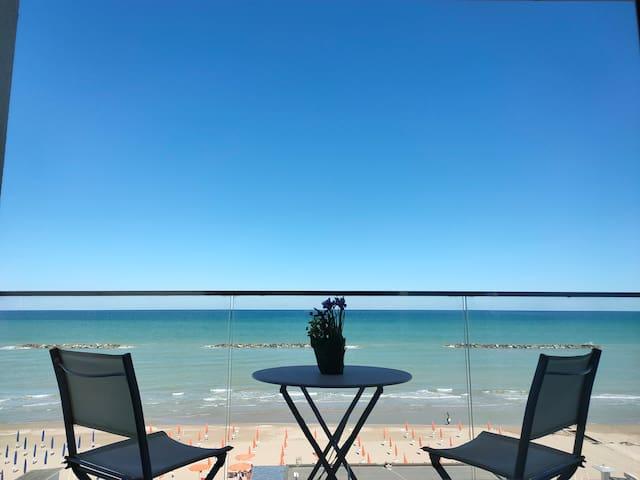 OPEN SPACE DI FRONTE AL MARE - SEA VIEW