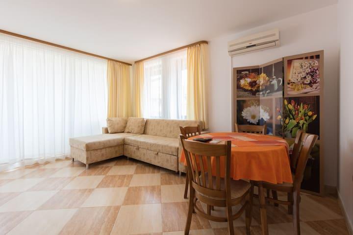 Cozy apartment in St.Vlas-Etara 2