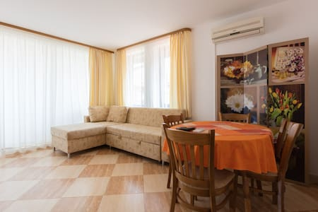 Couzy apartment in St.Vlas-Etara 2 - Apartment