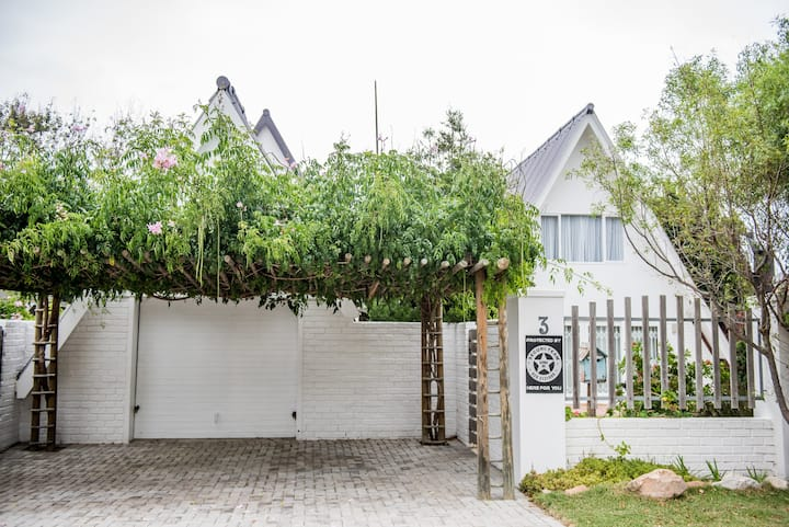 Onrus family beach house — Home from home