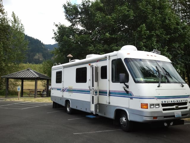 US Open, RV 4 rent 2 mi. from Open - University Place - Camping-car/caravane