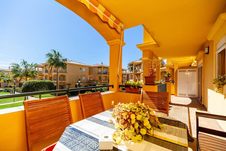 Air-Conditioned Apartment Close to Beach with Wi-Fi, Balcony, Terrace & Pool