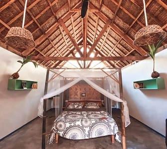 La Cabane Homestay, Lune de Miel House