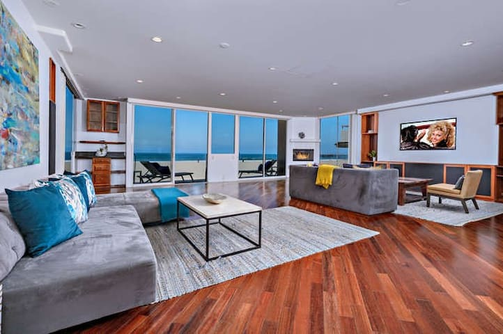 Sophisticated Beach Front Condo