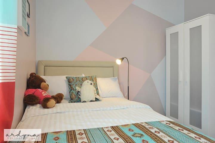 Bedroom #3 w/duplex bed w/AC