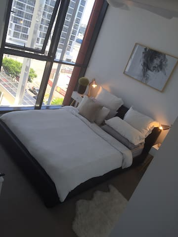 Beautiful and spacious 1 bed apt - Fortitude Valley - Flat
