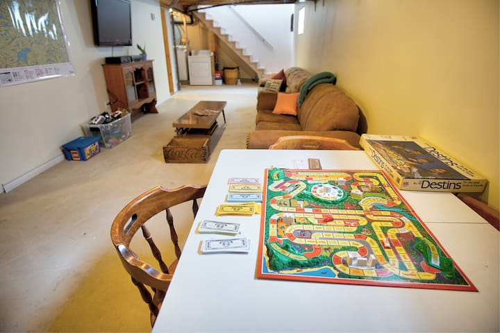Basement with tv, vhs, toys and games!