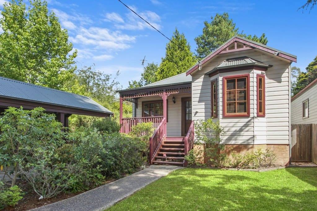 Pine Cottage Blackheath