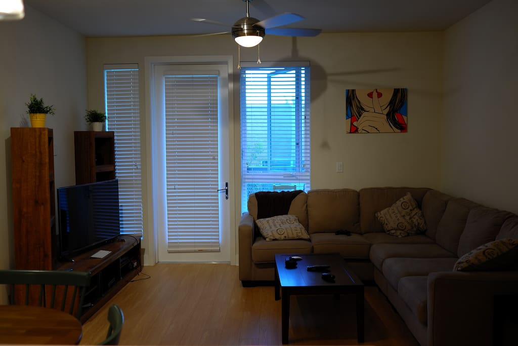 Furnished Room In A Complex Apartments For Rent In Los Angeles Cali