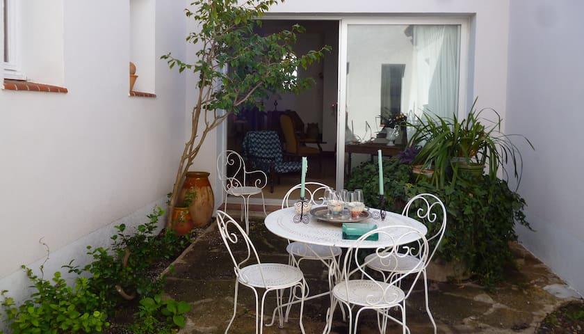Maison conviviale au coeur d'un charmant village - Nissan-lez-Enserune - Дом