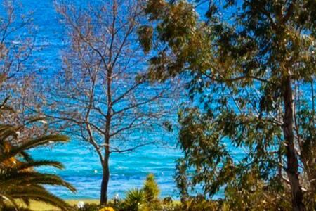 Beautiful villa by the beach - Νέα Σκιώνη