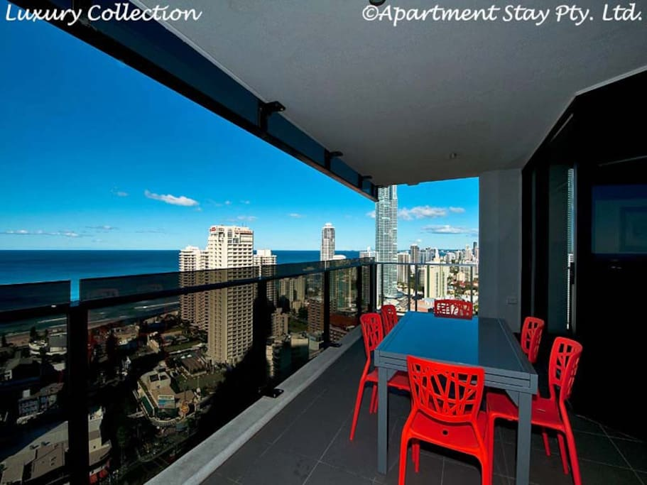 Designer Outdoor Suite with 6x Designer Chairs, stunning views, looking South