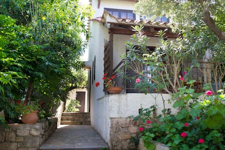 Cosy house in Stoupa (2-4persons) - Stoupa - 獨棟