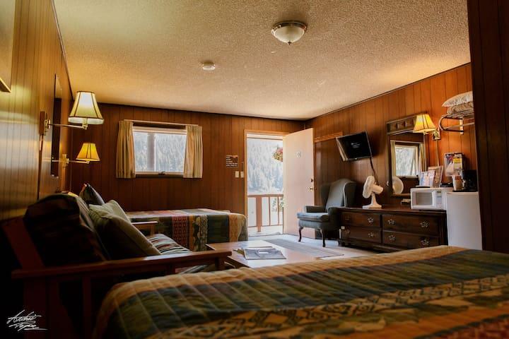 Corral Motel 2