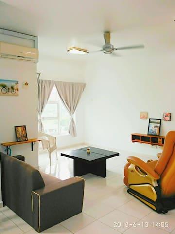 Full furnish+facilities condo in Puchong,next2 LRT