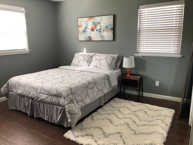 Mid-Century Modern Room, Centrally located.