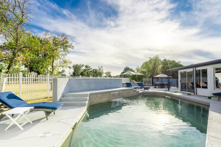 Sanctuary on the Greens: Private Pool, 17th Hole View, Hidden Casitas!