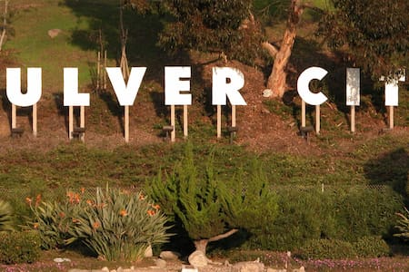 Culver City Apt, Minutes from LAX!