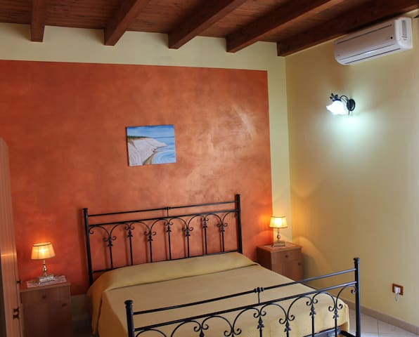 bed and breakfast-Scala Dei turchi-achiazza