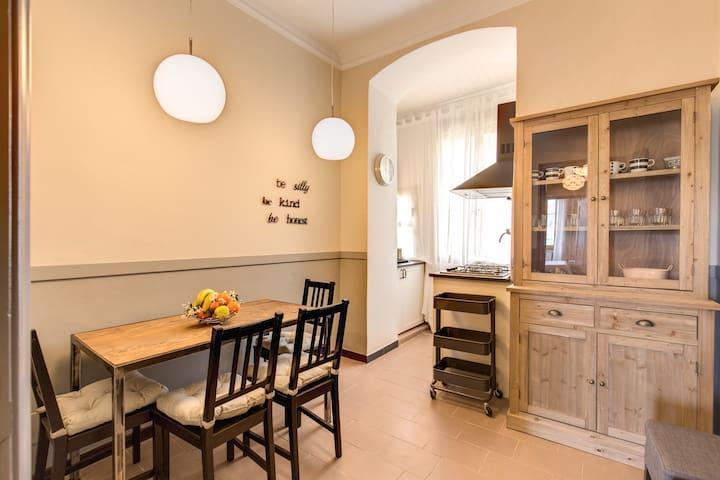 Cinque Terre Harbour Apartment / Two Bathrooms