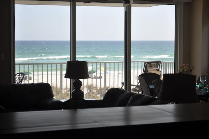 Sleeps 8, 2 balconies, directly on Gulf of Mexico - Pensacola Beach - Condominium