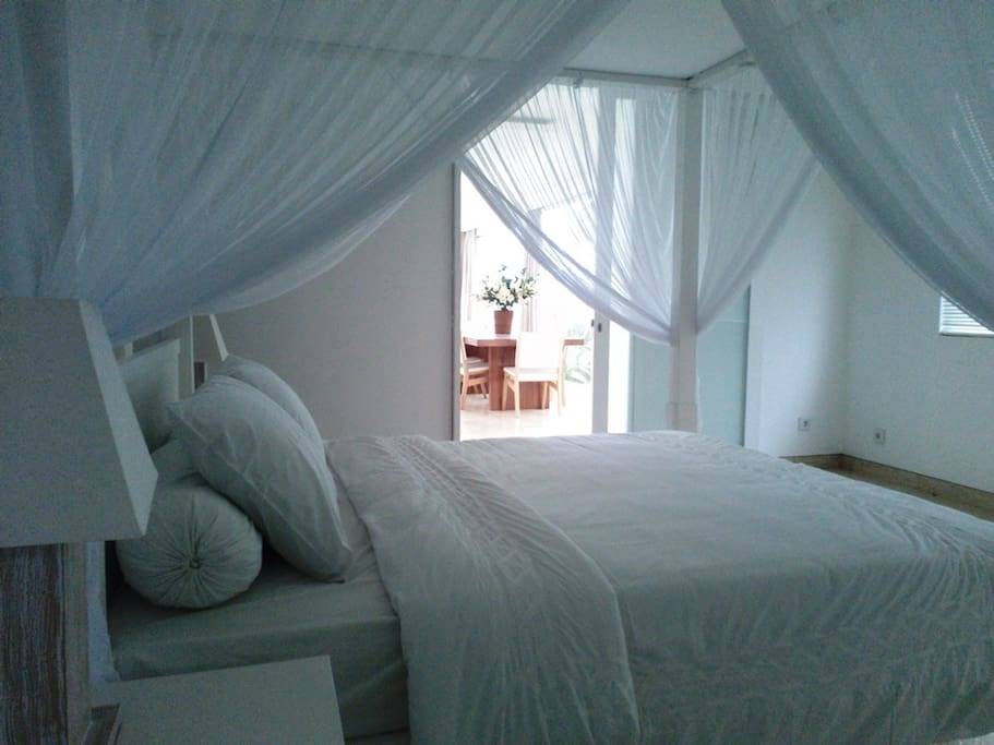 Large bedrooms at the first floor with garden view