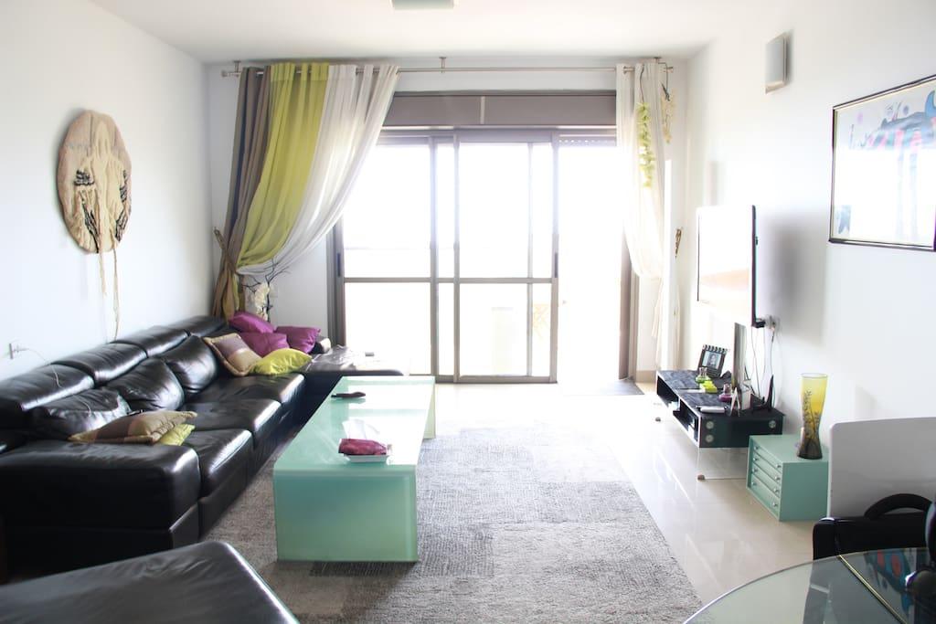 Appartement standing front de mer appartements louer for Appartement israel netanya