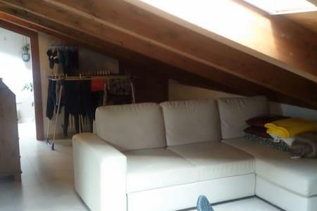 Nuovo Moderno Appartamento Bologna - Sala Bolognese - Bed & Breakfast