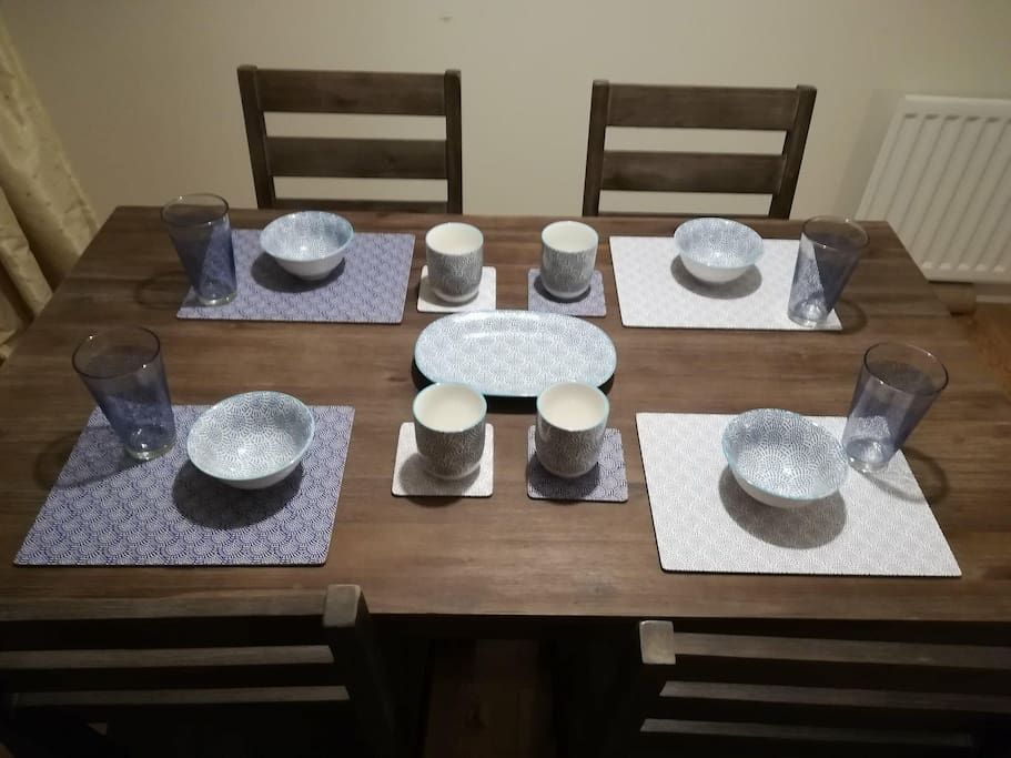 Dining for 4
