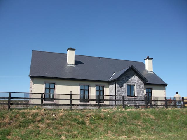 5 minutes walk from Beach - Nr Clifden - Huis