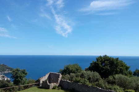 Flat with amazing seaview - Bergeggi