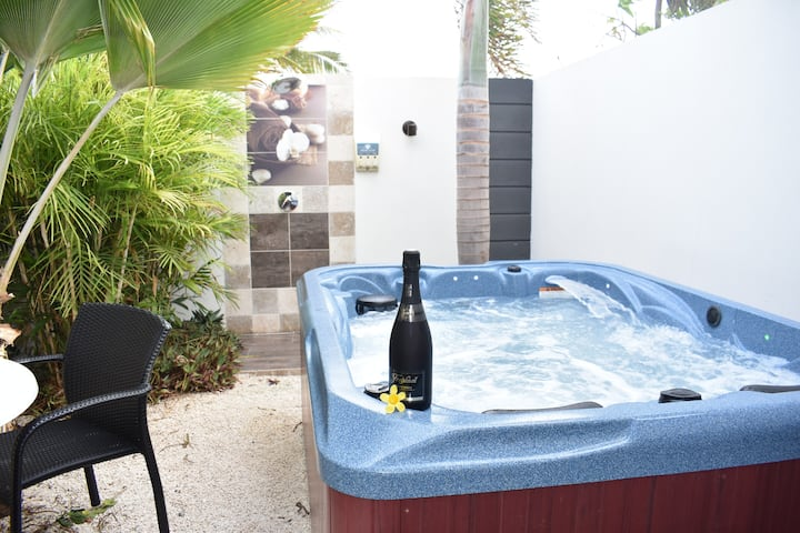 Pool Suite with private Garden Hot Tub (1-51)
