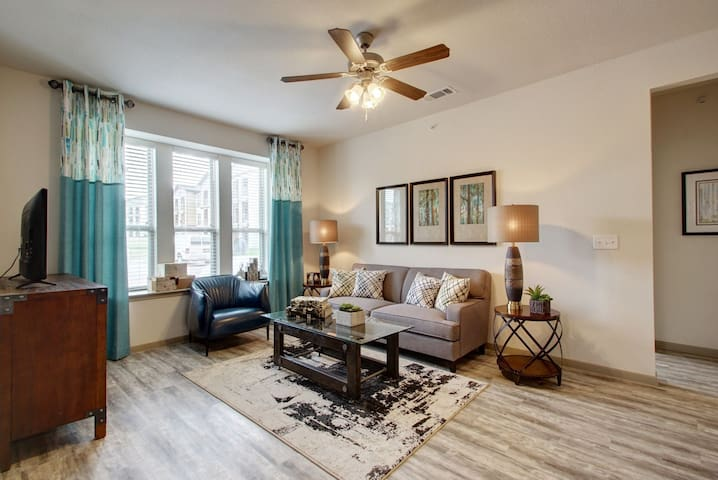 Well-kept apartment home | 2BR in Pflugerville