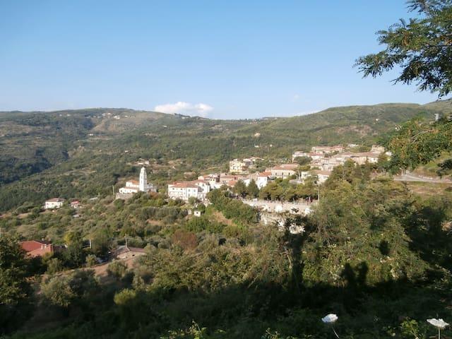 Cilento casa nel borgo di Camella - Perdifumo - Dům