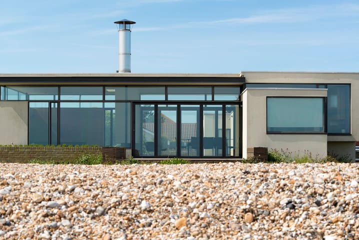 Pagham Beach House, sea views, - West Sussex - Villa