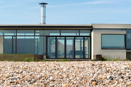 Pagham Beach House, sea views, - West Sussex
