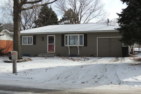 Beautifully remodeled, relaxing home in Lincoln - Lincoln - Hus