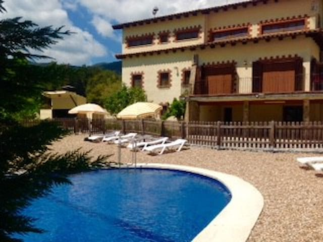 Pleasant Vilamajor for 24 guests - Sant Pere de Vilamajor - Casa