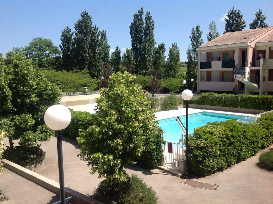 Appartement moderne avec piscine apartments for rent in - Piscine d aix en provence ...