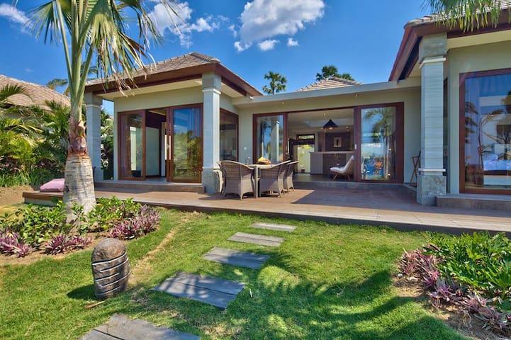 Topical private villas