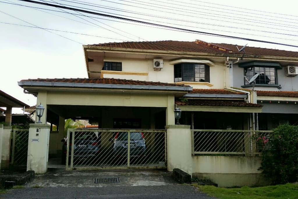 House exterior is a huge semi-detached double storey house of 5 bedroom.