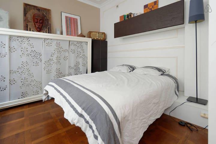 Nice room in a loft LE MARAIS