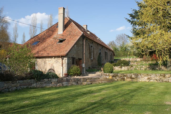 17th century Farmhouse - Cressy-sur-Somme - Hus