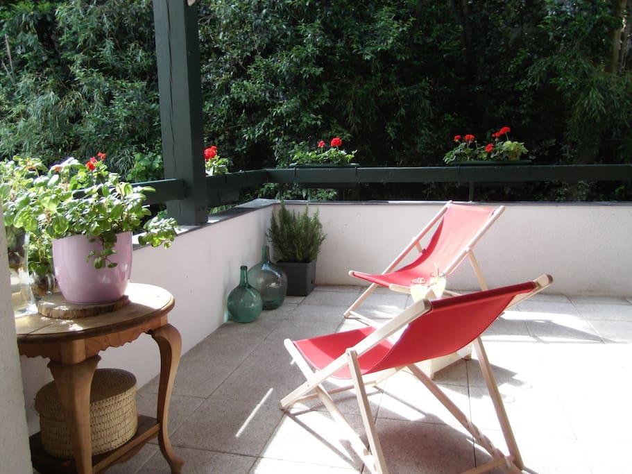 Calme et nature appartements louer hendaye - Tumbonas aki ...